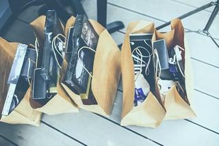 IB01_holiday-shopping.jpg
